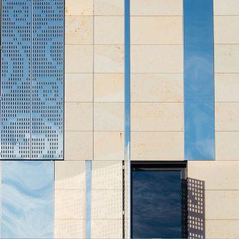 metal-design-outdoor-frontage-facade