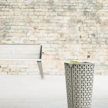 corbeille de tri-bin-metal-outdoor-mobilier-street furniture