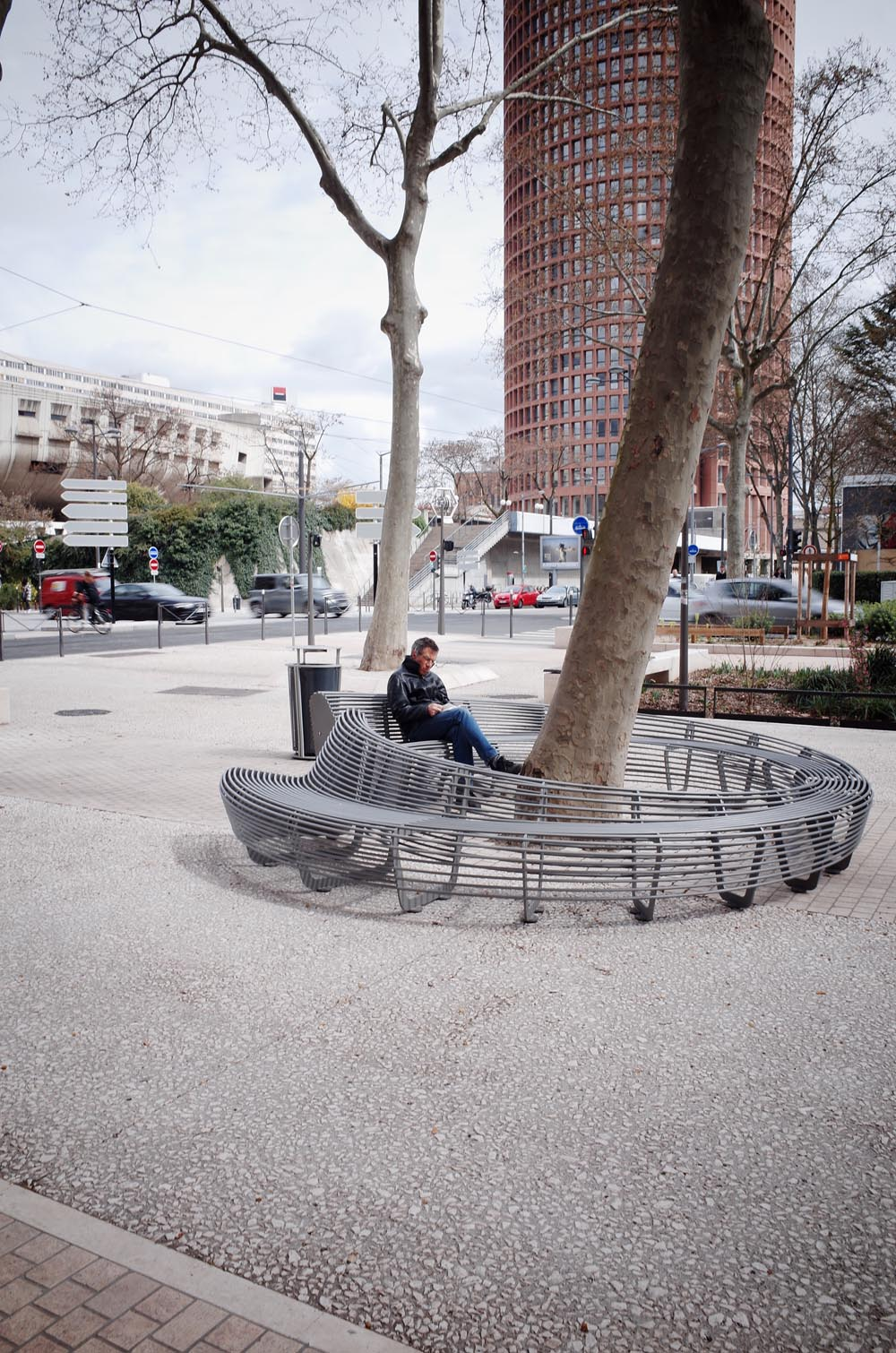 Circular bench - Lyon city design-web
