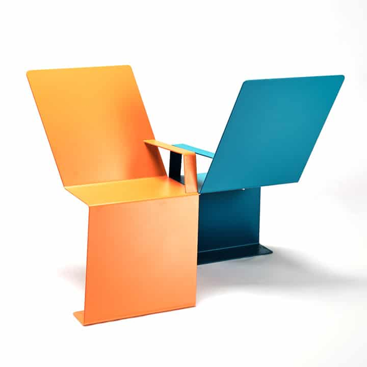 Urban chair with brigth colours and protection against water digress