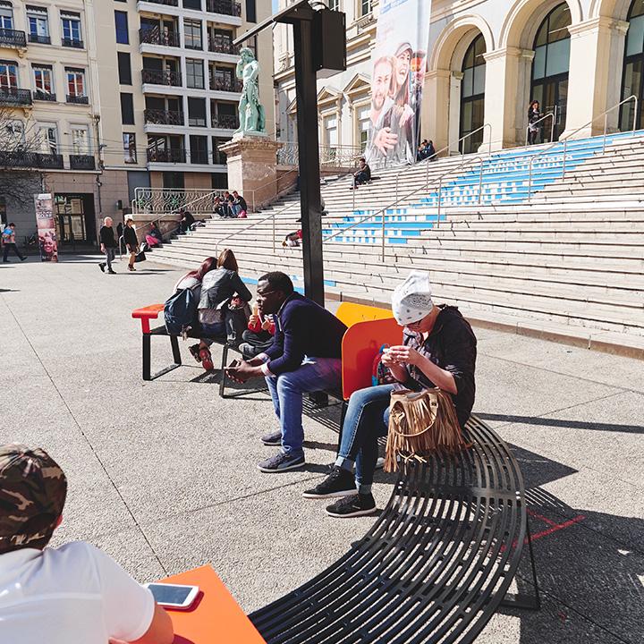 mobilier-urbain-banc-connecté