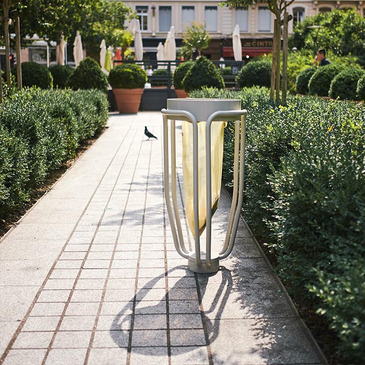 poubelle urbaine design pour espaces publics lucos