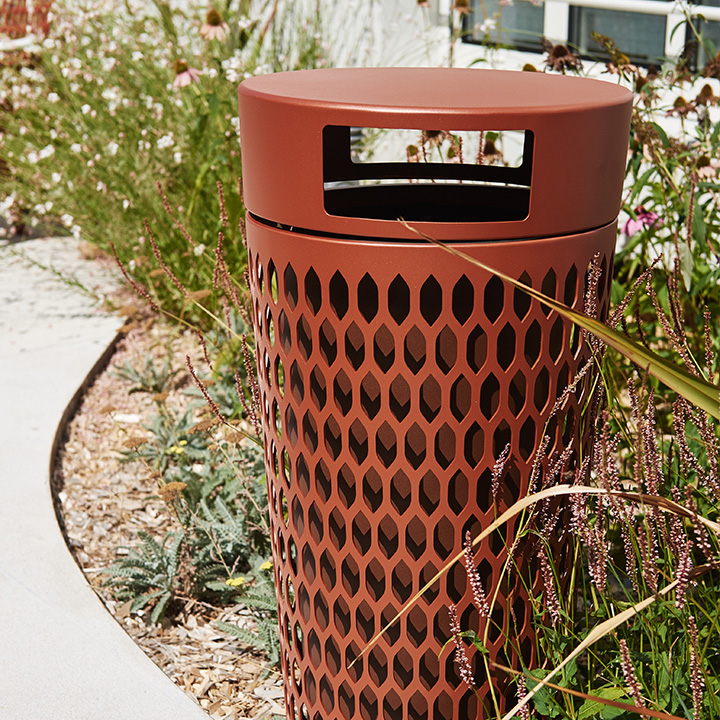 Design outside litter bin for restaurants and bars