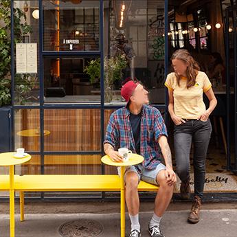 Mobilier pour terrasse de bar