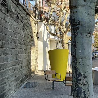 Pot urbain design géant
